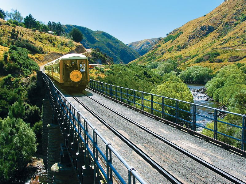 Iconic-Tours-Taieri-Gorge-01.jpg